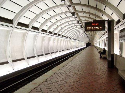 800px-Forest_Glen_Station